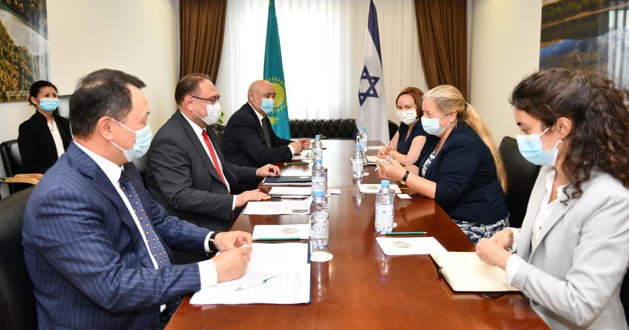哈萨克斯坦和以色列讨论官方发展援助问题