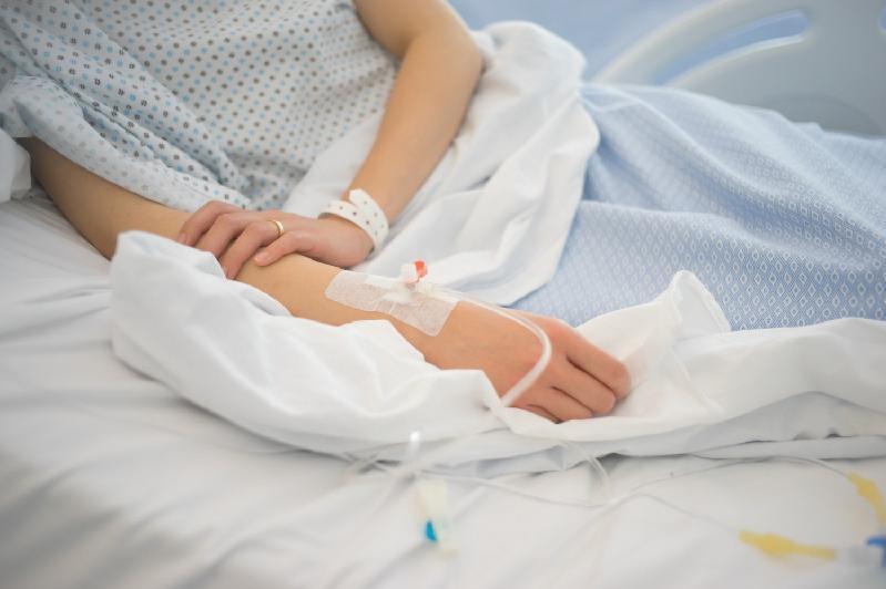 Лечение от коронавируса получают меньше тысячи человек в Алматы