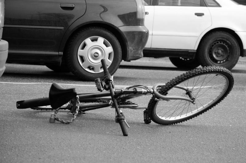 Қостанайда жүргізуші велосипед мінген әйелді қағып, қашып кеткен