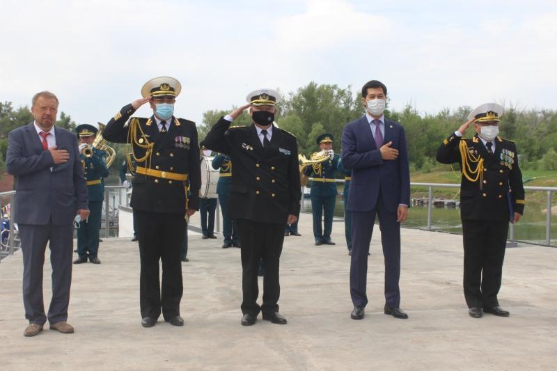 Торжественный спуск на воду двух пограничных катеров «Исатай» и «Махамбет» состоялся в Уральске