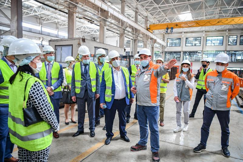 Сенаторы посетили столичный строительный завод