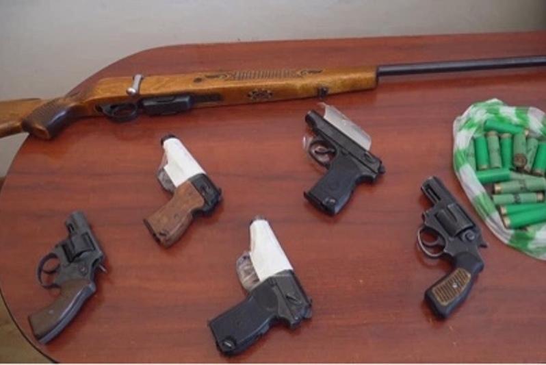 Из незаконного оборота в Шымкенте изъято 30 единиц оружия и 46 патронов