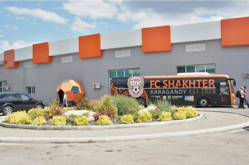 Qaraǵandydaǵy «Shahter» stadıony halyqaralyq matchtardy ótkizýge daıyn