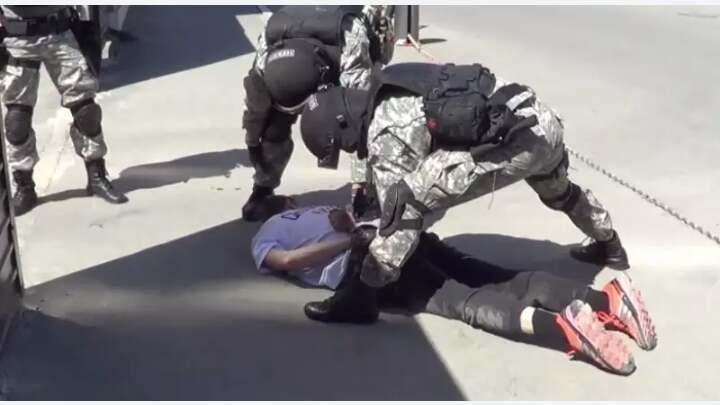 Наркотики на 24 млн тенге пытались сбыть двое мужчин в Атырау