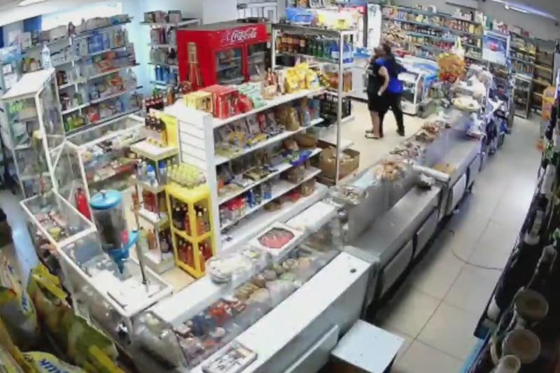 Вооруженное нападение совершил мужчина на магазин в Нур-Султане