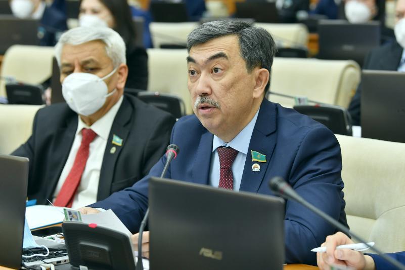 Арман Кожахметов стал председателем Комитета Мажилиса по законодательству и судебно-правовой реформе
