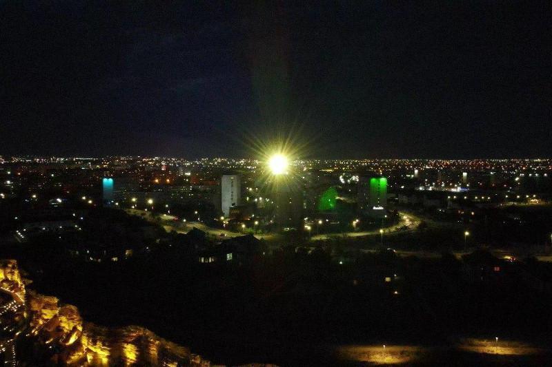 Первый в городе маяк «Меловой» зажегся в Актау