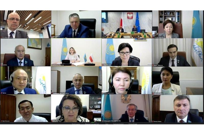 Qazaqstan men Polshanyń zań shyǵarýshylary parlamentaralyq dıalogty jandandyrady