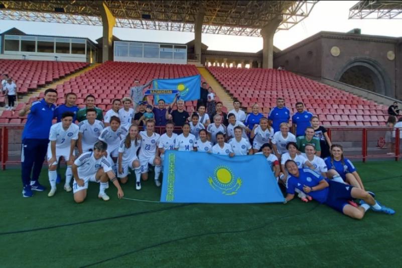 Женская сборная Казахстана по футболу одержала уверенную победу над Арменией в ответном товарищеском матче