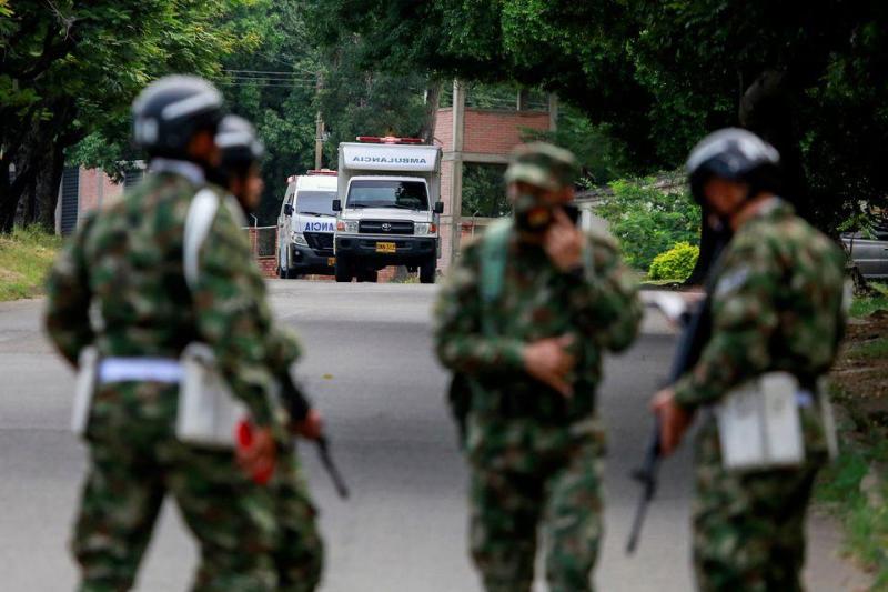 哥伦比亚军营遭汽车炸弹袭击致36人受伤