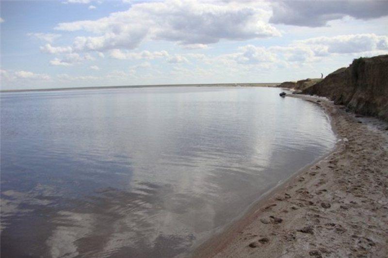 Очистку дна озера Маралды провели в Павлодарской области