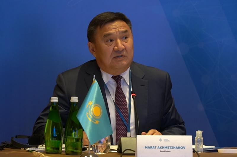 哈萨克斯坦代表出席经合组织反腐败问题会议
