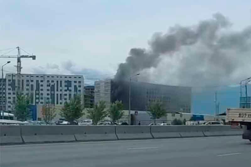 Пожар произошел в строящемся ЖК в Алматы