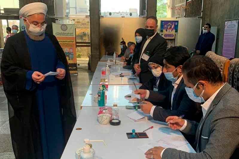 Президентские выборы проходят в Иране