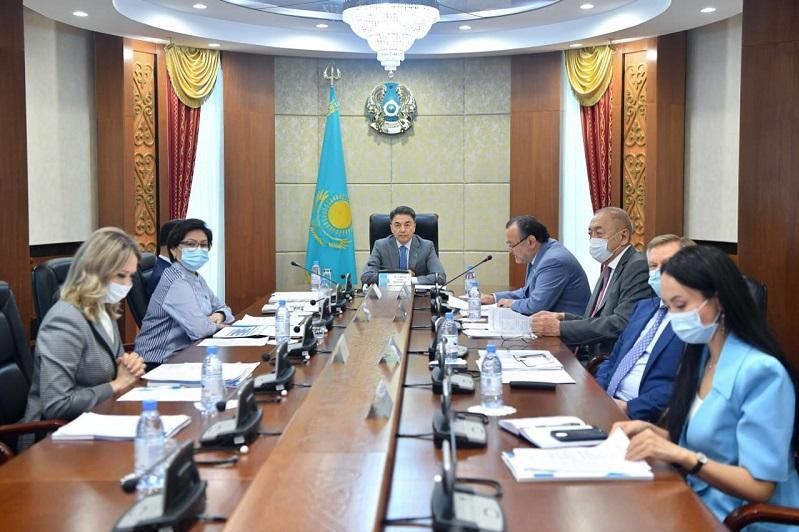 Проблемы и перспективы развития института омбудсмена обсудили в Сенате