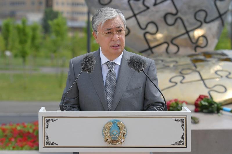 Глава государства предложил ввести звание «Заслуженный врач Республики Казахстан»