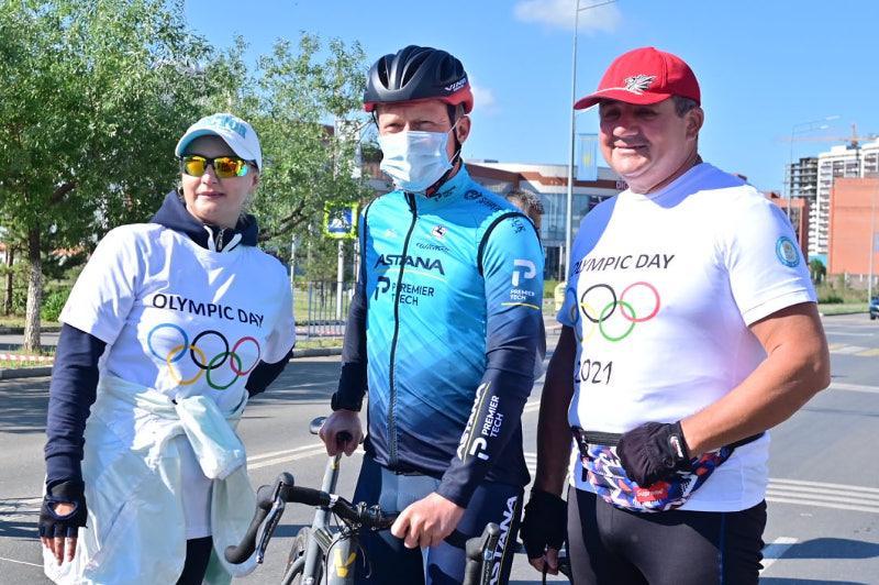 Александр Винокуров открыл велопробег Олимпийского дня