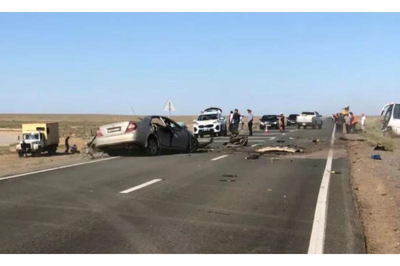 Три человека погибли в ДТП в Атырауской области