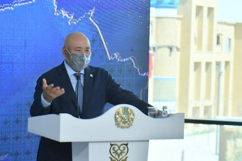 Аким Туркестанской области пояснил, как будут решать вопрос с дефицитом воды