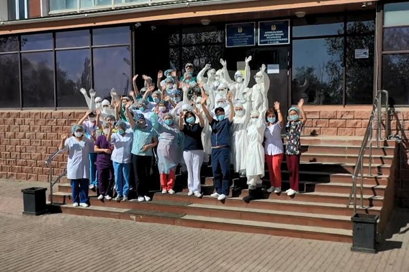Лучших медработников наградили в Карагандинской области