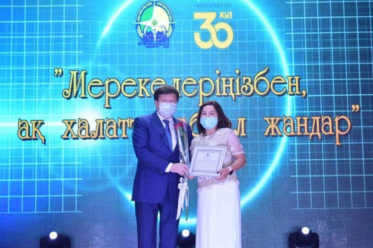 Лучших медработников наградили в Атырауской области