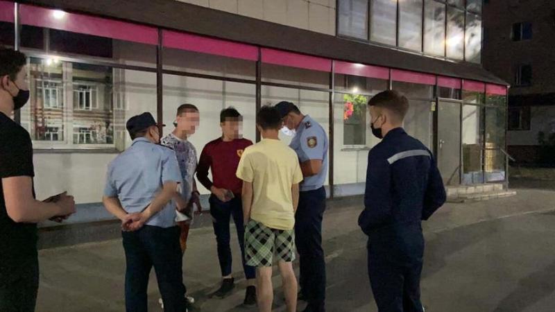 Двух пьяных подростков выявили на ночных улицах Петропавловска
