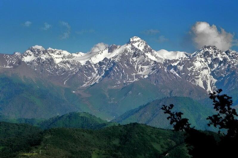 Две девушки заблудились в горах Алматинской области