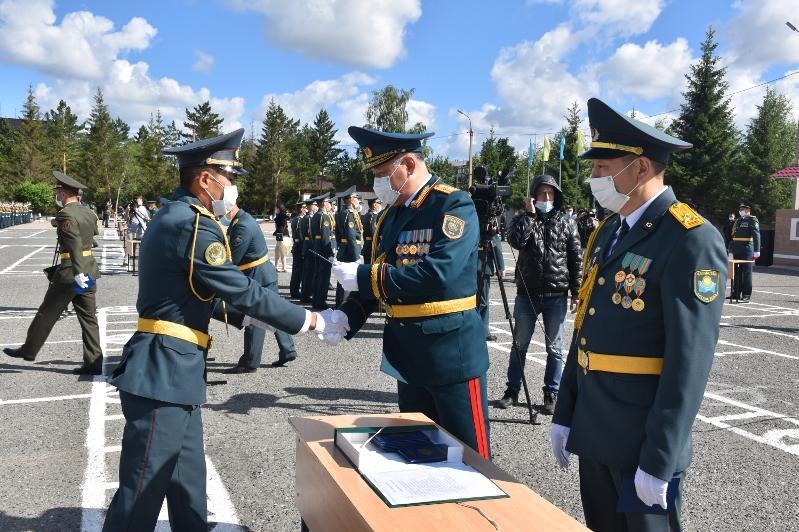 205 офицеров выпустил Военный институт в Петропавловске