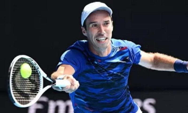Теннис: Кукушкин начал с победы турнир АТР 250 в Истборне