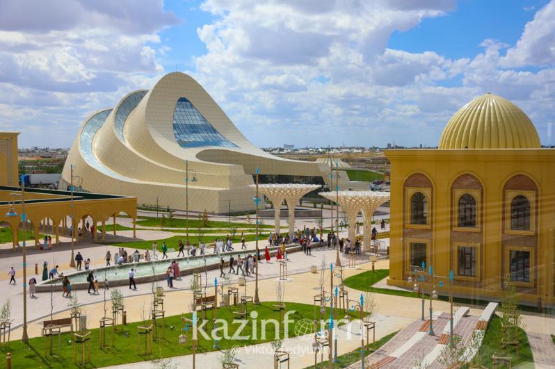 突厥斯坦州举行晚会庆祝建州三周年