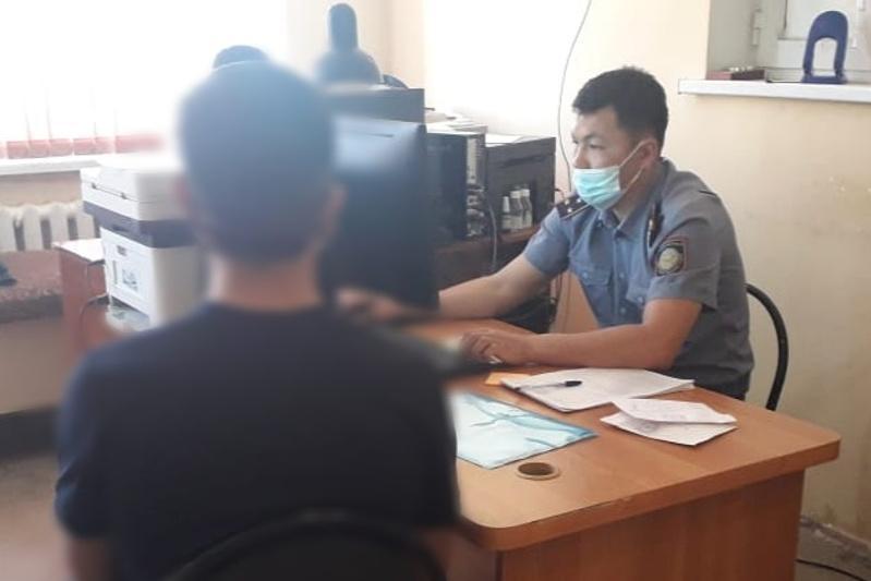 Полицейские Туркестанской области задержали афериста, обманувшего сельчан на миллион тенге