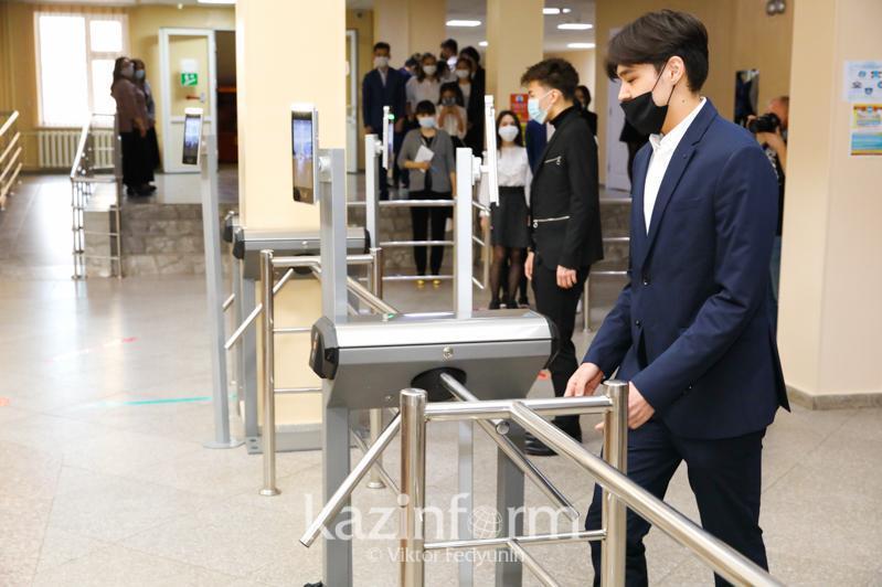 До конца этого года школы Казахстана приведут в соответствие требованиям безопасности