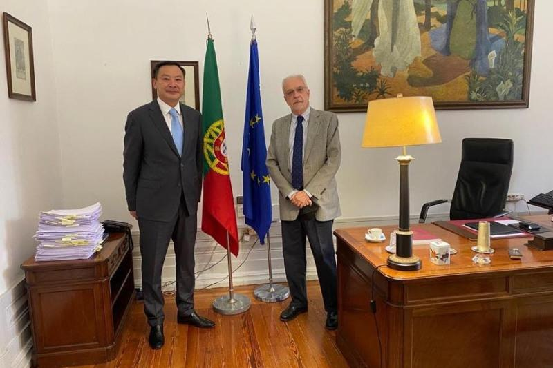 Kazakh ambassador meets with President of Constitutional Court of Portugal