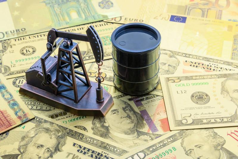 Нефть қимматлашиб бормоқда: 2019 йилдан бери илк марта 1 баррели 75 доллардан ошди