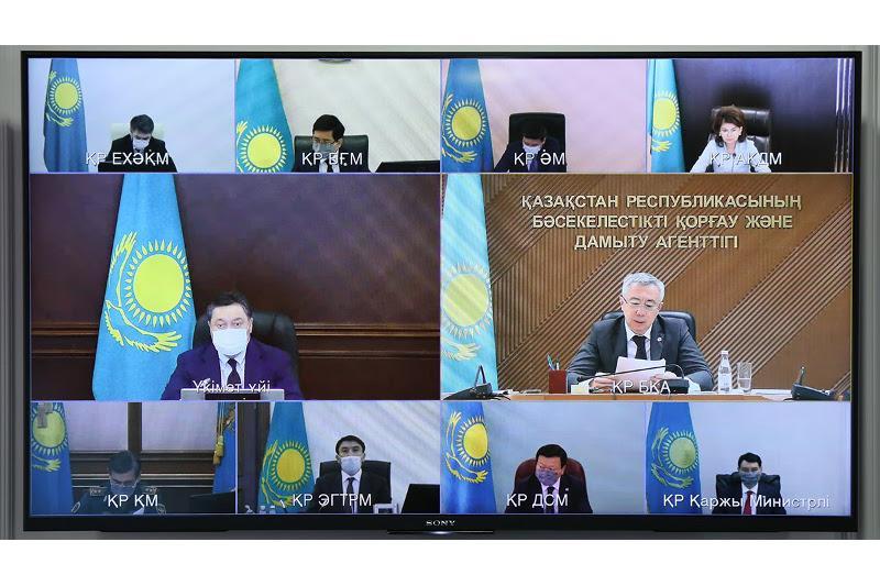 Премьер РК призвал пересмотреть нормы регулирования государственных и частных операторов
