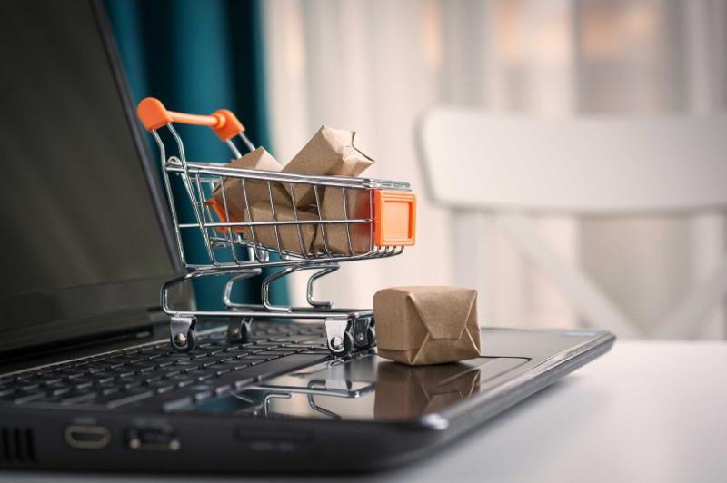 Сколько казахстанцев пострадали от электронной торговли