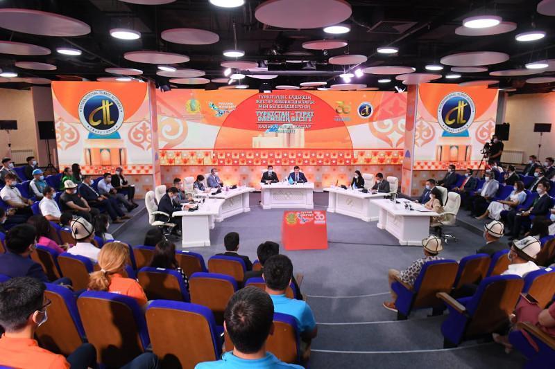 В Туркестане прошло пленарное заседание молодежного саммита «Туркестан – колыбель тюркского мира»