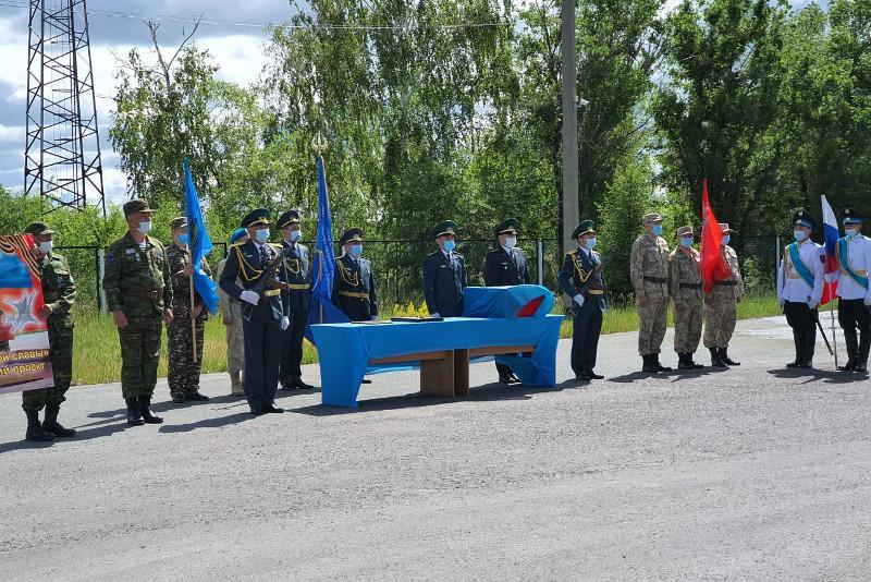 В Казахстан вернули останки воина ВОВ из Ленинградской области