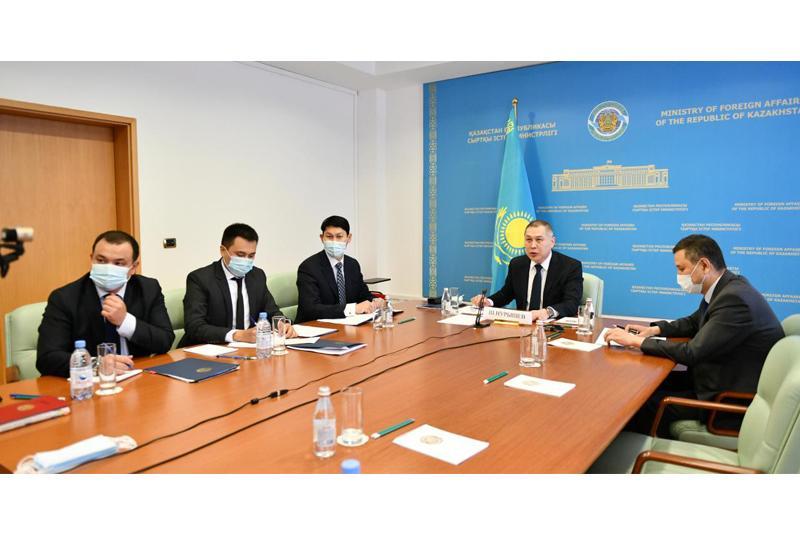 哈中外交部举行磋商和安全合作分委会会议