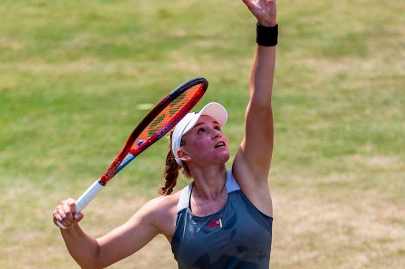 Елена Рыбакина пробилась во второй круг турнира в Великобритании