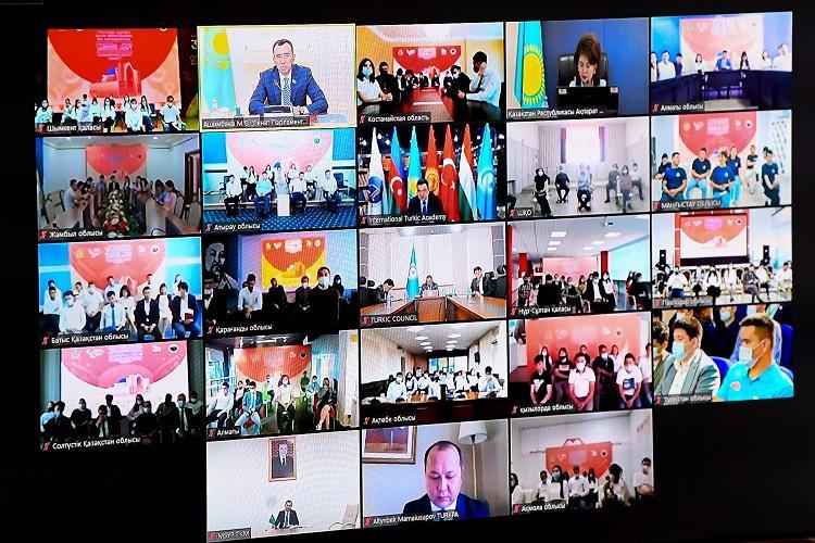 Маулен Ашимбаев принял участие в молодёжном форуме тюркоязычных стран