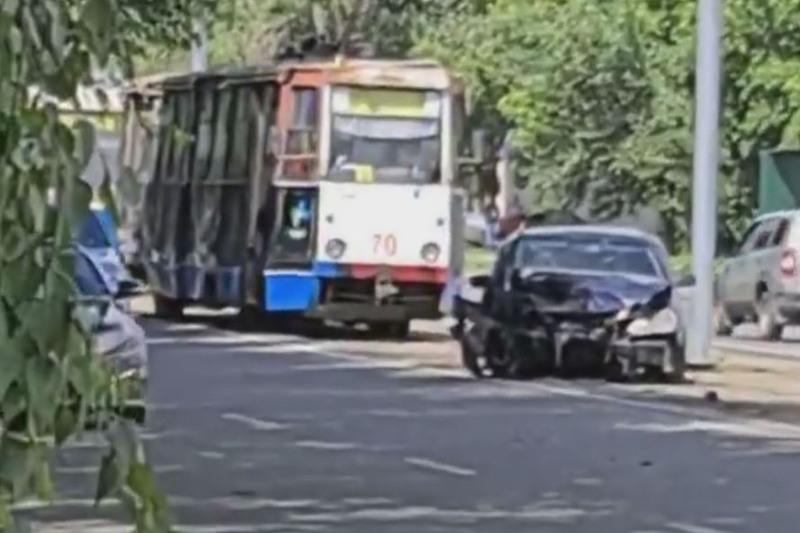Óskemende soqtyǵysqan eki kólik tramvaı qozǵalysyn toqtatty