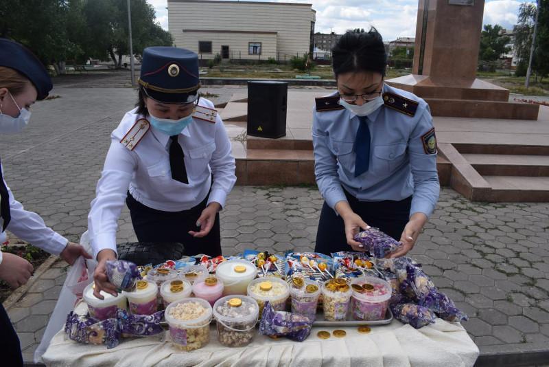 Необычную акцию устроили в свой профессиональный праздник сотрудники акмолинского ДУИС