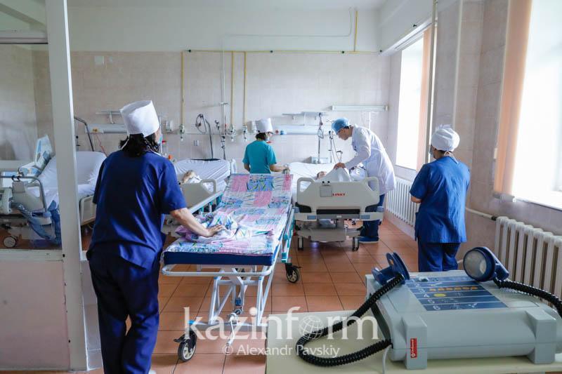 В стационарах Атырауской области от COVID-19 лечатся 313 человек