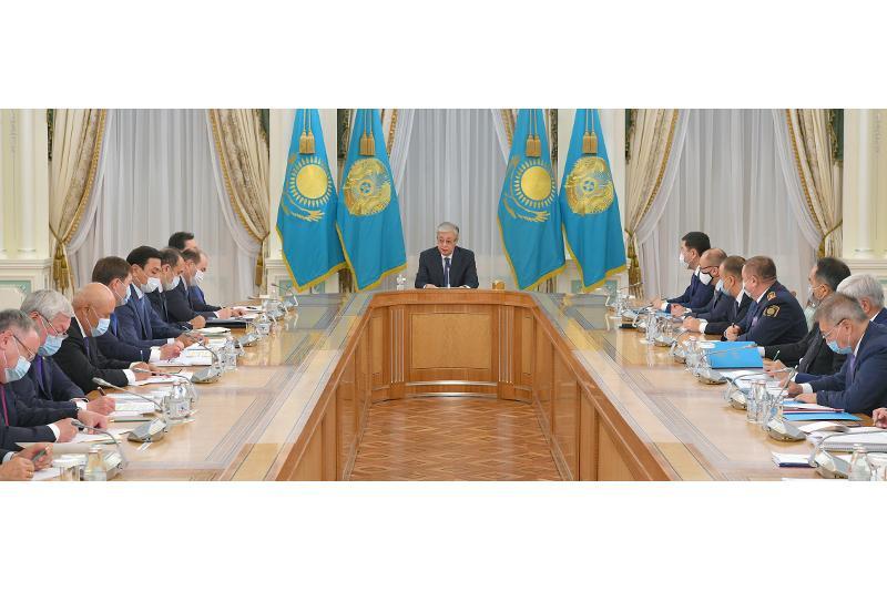 Глава государства провел совещание по вопросам выборов сельских акимов