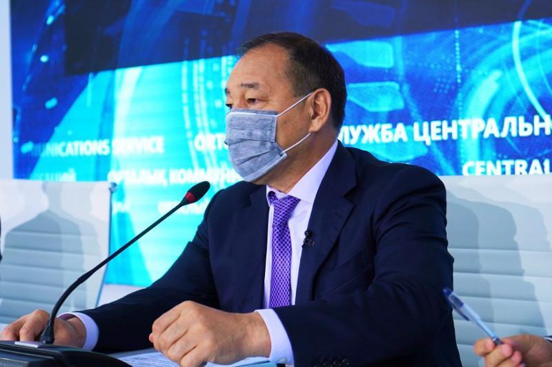 Ералы Тугжанов получил вакцину QazVac
