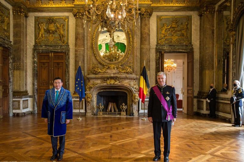 Ambassador of Kazakhstan presents credentials to King Philippe of Belgium