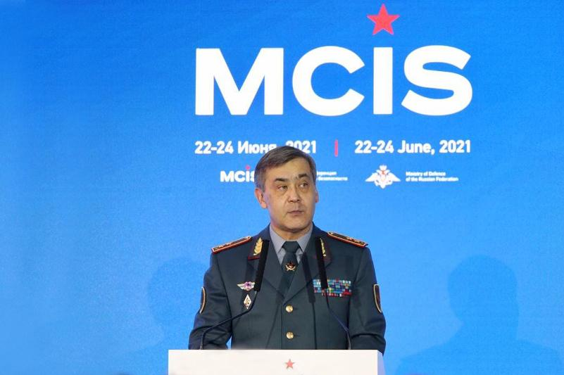Министр обороны РК рассказал зарубежным коллегам о роли армии в борьбе с пандемией