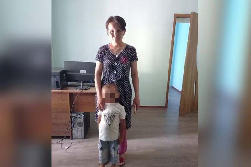 Трехлетнего мальчика вернули матери в Туркестанской области
