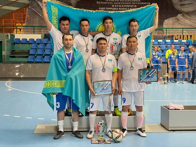 Транспортные полицейские Казахстана завоевали серебро Международного турнира по мини-футболу в Бресте
